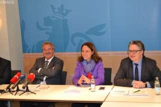 Conf, (de g. à dr.) Jean Asselborn, ministre de l'Immigration et de l'Asile ; Corinne Cahen, ministre de la Famille et de l'Intégration ; Yves Piron, directeur de l'Office luxembourgeois de l'accueil et de l'intégration (OLAI)