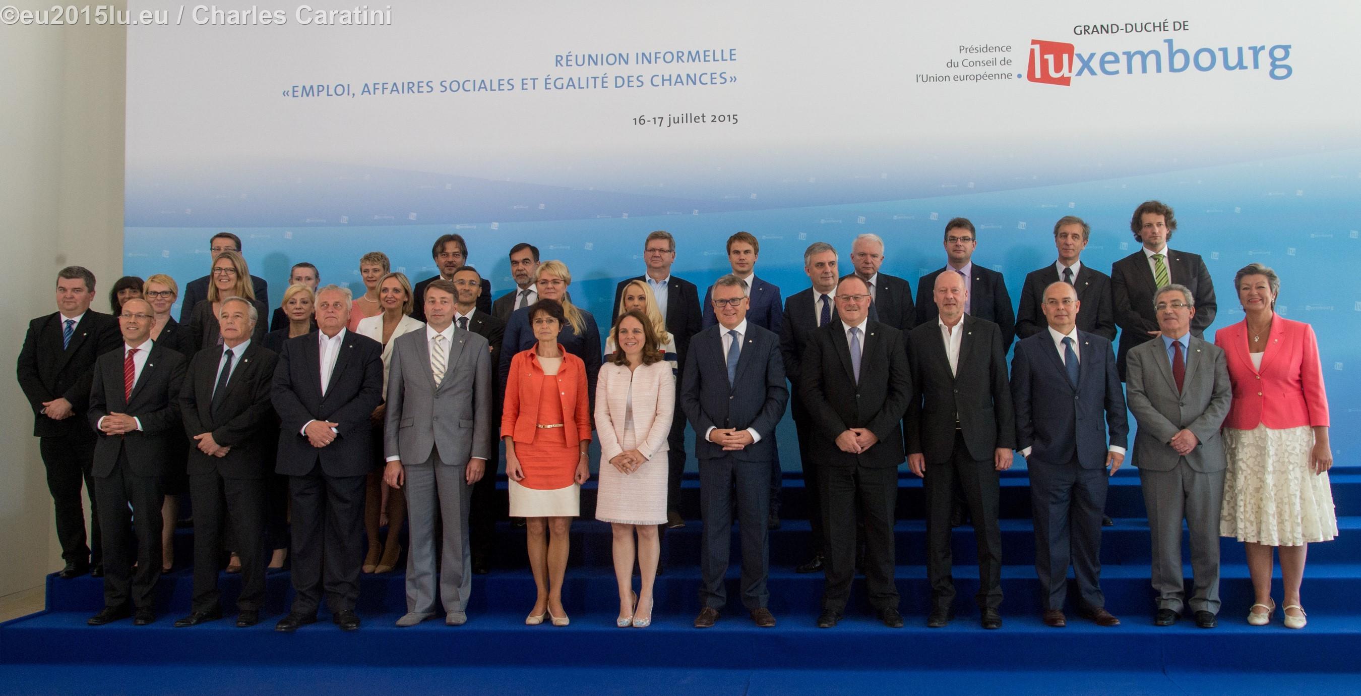 Re?union informelle des ministres de l'Emploi, des Affaires sociales et de l'E?galite? des chances (16-17.07.2015), Photo de famille