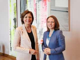 (von l. nach r.) Malu Dreyer, Ministerpräsidentin des Bundes Rheinland-Pfalz; Corinne Cahen, Ministerin für die Großregion