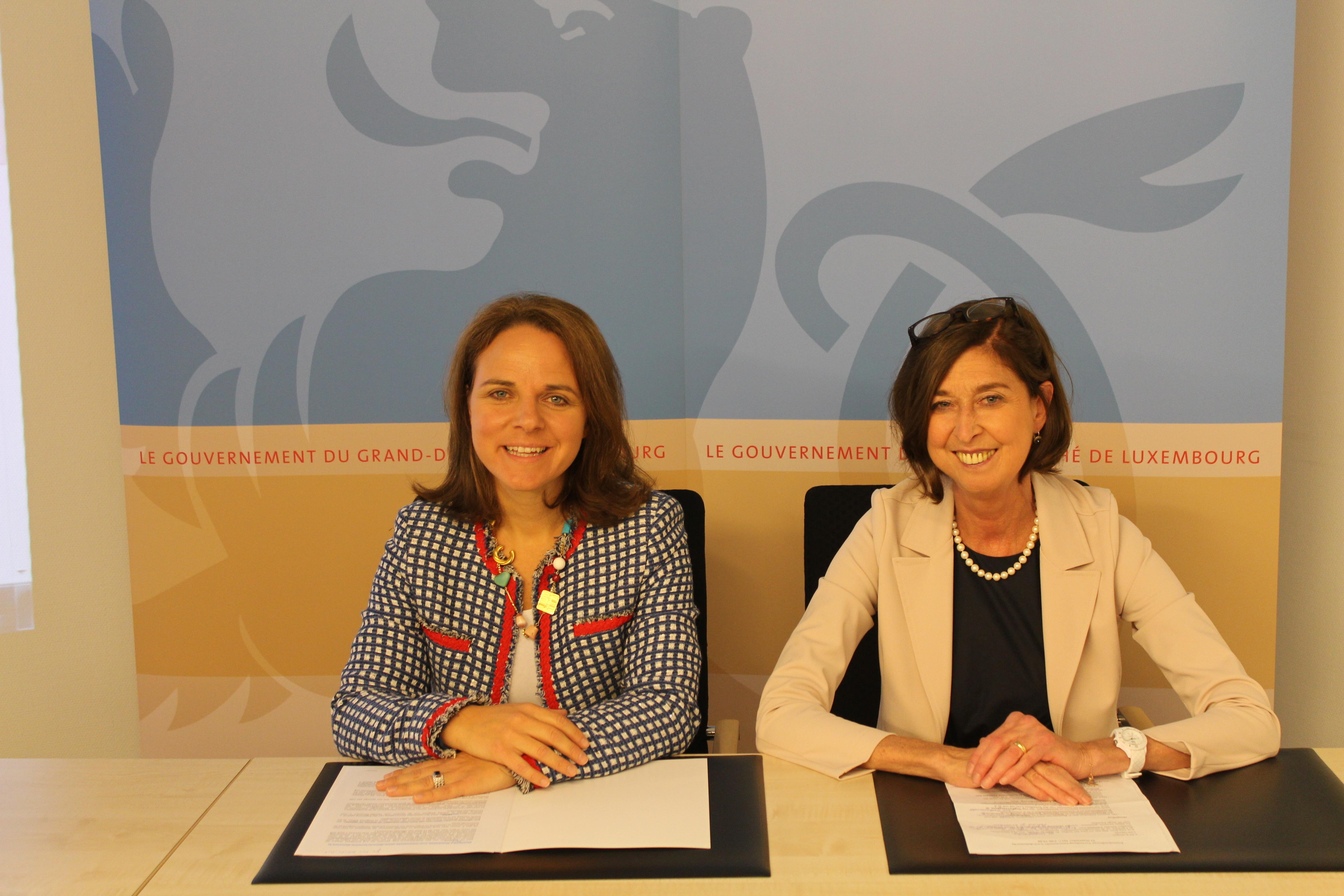 Lancent un nouveau site Internet: www.demenz.lu / www.demence.lu, (de g. à dr.) Corinne Cahen, ministre de la Famille et de l'Intégration ; Lydia Mutsch, ministre de la Santé