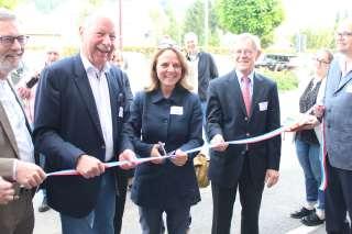 (de g. à dr.) Willy de Jong, directeur général; Egard Arendt, bourgmestre de Betzdorf; Corinne Cahen, ministre de la Famille et de l'Intégration; Fernand Boden, président