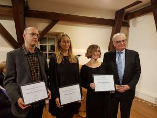 Remise des prix, (de g. à dr.) Bernd Marcel Gonner; Claire Schmartz; Anja Di Bartolomeo; Guy Arendt, secrétaire d'État à la Culture